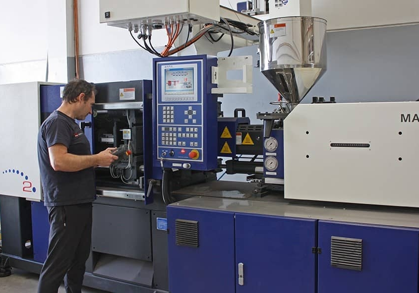 Fabricación de inyecciones para máquina Jacquard