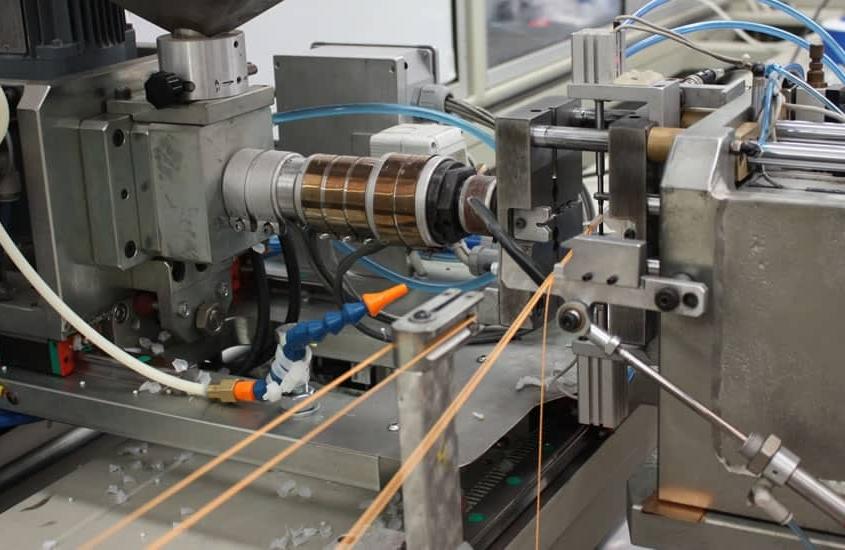 Venta y suministro de recambios de maquinaria textil